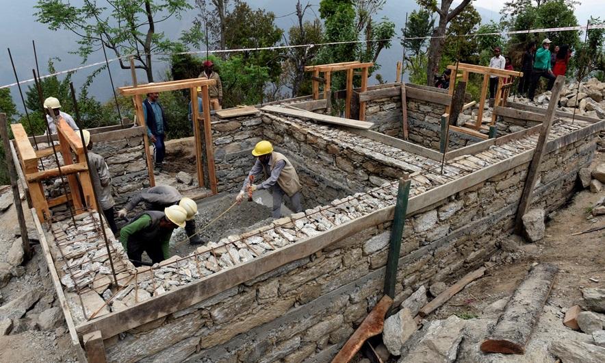 २ लाख ९६ हजार घरको पुनर्निर्माण सम्पन्न, १ खर्ब ४८ अर्ब अनुदान वितरण -  Arthakoartha.com